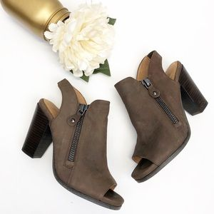 Gentle Souls by Kenneth Cole Sage Booties Sz 7